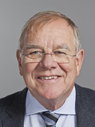 Portrait von Hans Hess, Rechtsanwalt und Notar aus Sarnen, Staenderat der FDP des Kantons Obwalden, aufgenommen am 06. Dezember 2011 in Bern. (KEYSTONE/Gaetan Bally)