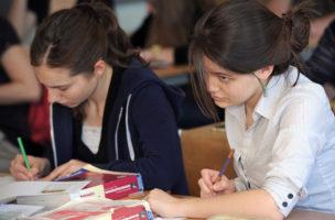 Thema zweisprachige Matura - Mathematik-Lektion bei Jürgen Thon Benz an der Kantonsschule Rychenberg, Winterthur