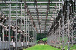 Saubere Sache: Strom aus Wasserkraft in einer Trafostation in Innertkirchen BE. Foto: Gaëtan Bally (Keystone)
