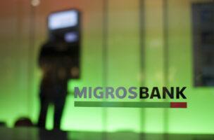 So binden Banken ihre Hypokunden an