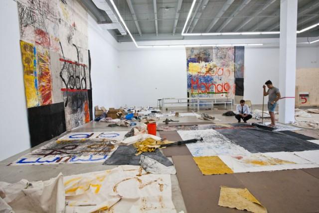 Oscar Murillo in seinem Atelier