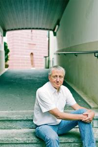 Rolf von Siebenthal (Jg. 1961) ist selbstständiger Journalist und Texter.