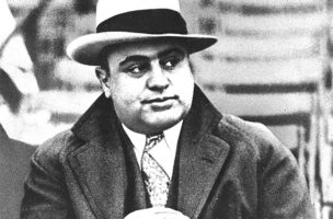 So stellen wir uns die Zürcher Clubbesitzer vor: Al Capone.