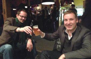SVP-Nationalrat am Anlass «Rap gegen SVP». Personenschutz hat der Grüne Balthasar Glättli geleistet.