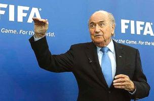 Sepp Blatter winkt uns zum Abschied.