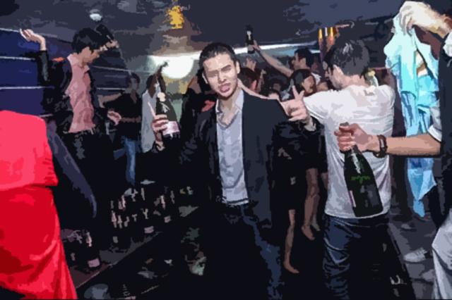 Für eine Flasche Champagner mehr bezahlen als andere an einem Tag verdienen.