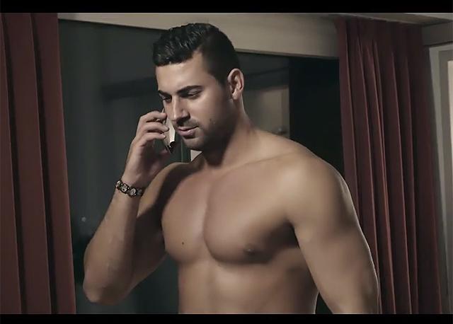 Jedes Vorurteil über Albaner bedient: Screenshot aus dem Promo-Clip.