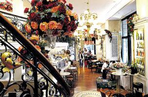 Das Café Felix bietet nun neben Kitsch und Kaffee auch Nightlife.