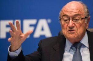 Seine Majestät Don Blatter eröffnet ein Museum n Zürich.