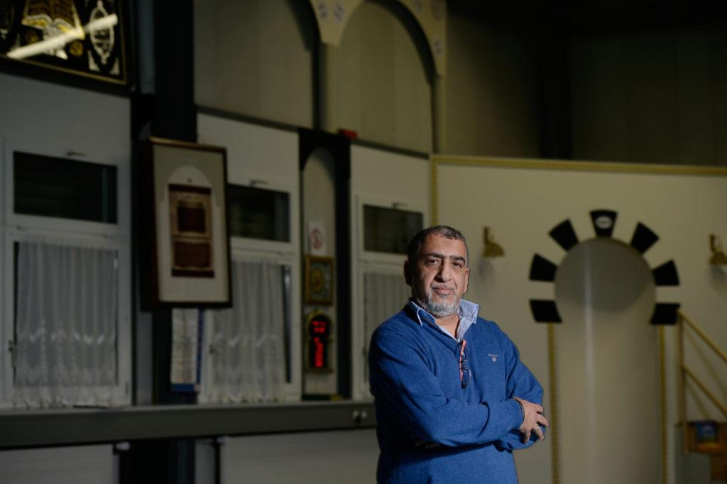 Atef Sahnoun, Präsident der Winterthurer An'Nur-Moschee, wehrt sich gegen den Vorwurf, bei ihm predige ein hetzerischer Iman. (Foto: Doris Fanconi)