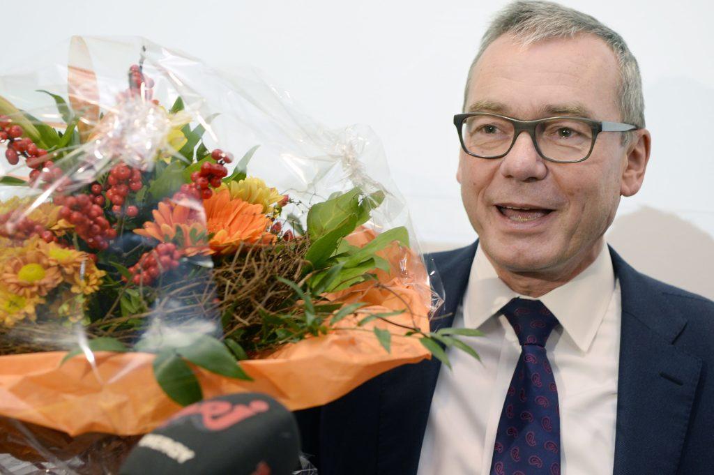 Der neue FDP-Ständerat Ruedi Noser auf die Frage, wie er sich nach fast sechs Monaten Wahlkampf fühle. (Foto: Keystone/Walter Bieri)