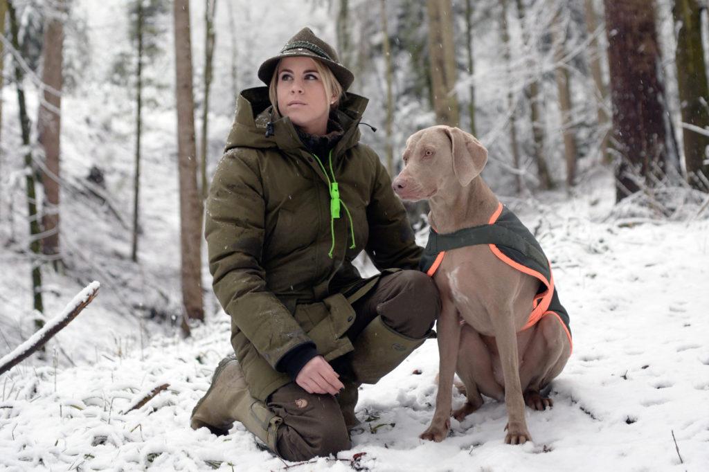 Janine Egli ist Jägerin. Nach dem ersten geschossenen Tier überlegte sie sich, ob das wirklich das Richtige für sie ist. Nun bewirbt sie sich als erste Zürcherin für das Amt der Schweizer Jägerin. (Foto: Doris Fanconi)