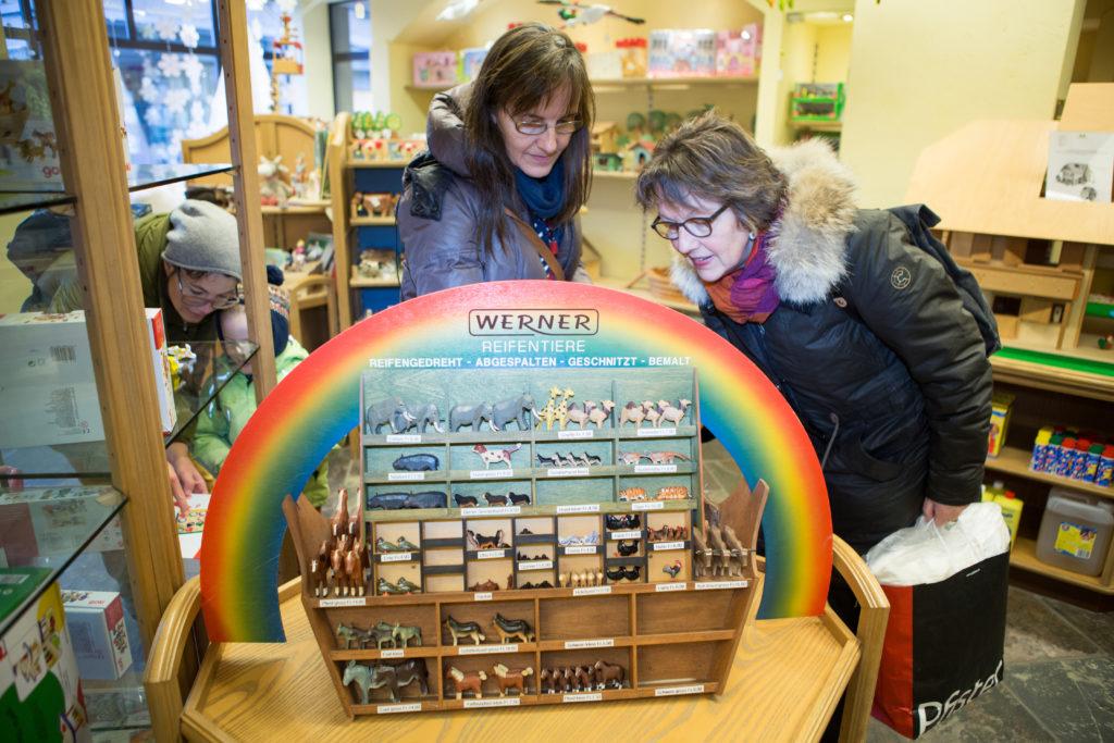 Der traditionelle Spielwarenladen Patorini schliesst Ende Februar sein Geschäft in Zürich. Er war weit herum bekannt für seine Holzsachen - doch sind heute immer weniger gefragt. (Foto: Sabina Bobst)