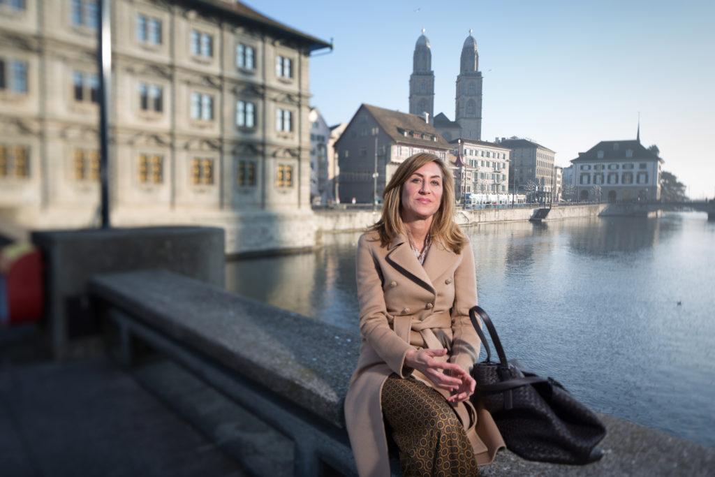 Die Investorin und Philanthropin Carolina Müller-Möhl auf die Frage, was sie immer in ihrem Kühlschrank hat. (Foto: Sabina Bobst)