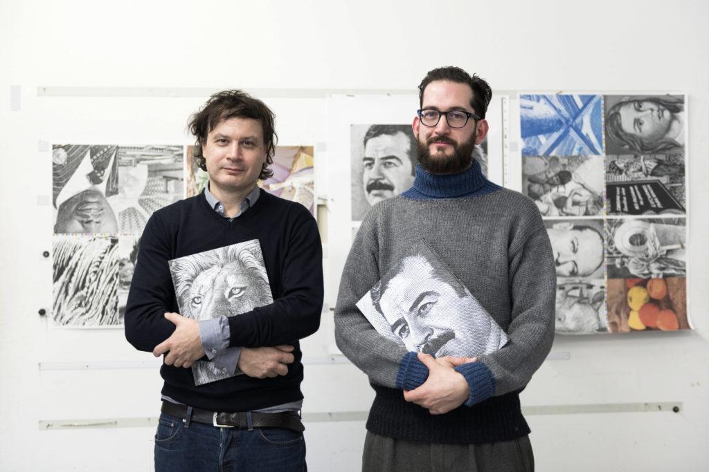 Sebastian Cremers und Albert Cieceli sind zwei Grafiker. Sie haben sich jahrelang mit Banknoten beschäftigt und über das Thema ein Buch geschrieben. Die nächsten Schweizer Banknoten wollen sie dennoch nicht entwerfen. (Foto: Urs Jaudas)