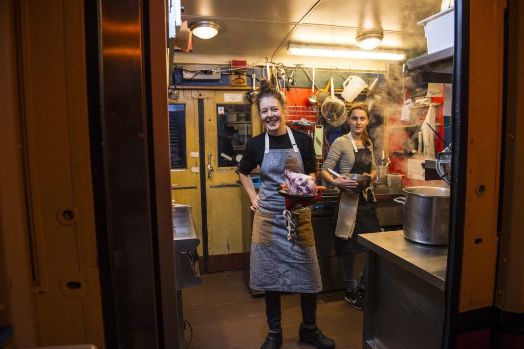 Im Gastroführer Gault Millau sind in der Stadt Zürich sind nur gerade drei Küchenchefinnen aufgeführt. Margaretha Jüngling vom Stazione Paradiso weiss warum dies so ist. (Bild: Reto Oeschger)