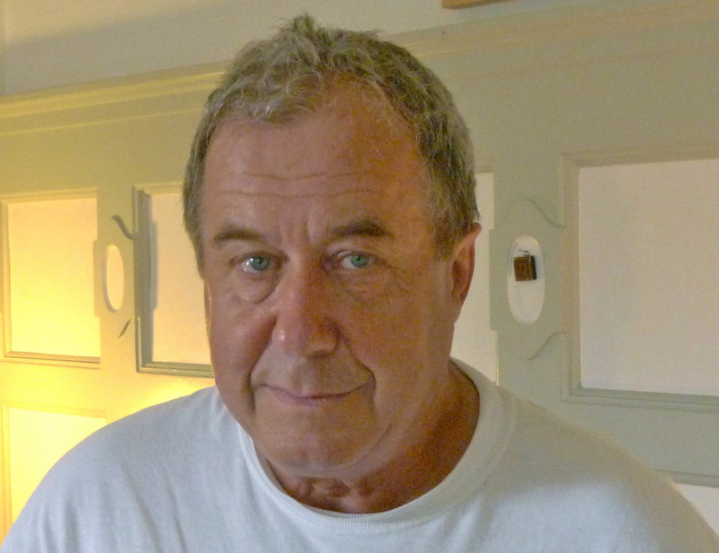 Der Seifenblasenkünstler Gunnar Jauch wurde vom Gericht wegen seinen Aktionen zu gemeinnütziger Arbeit verurteilt. (Foto: Tages Anzeiger)