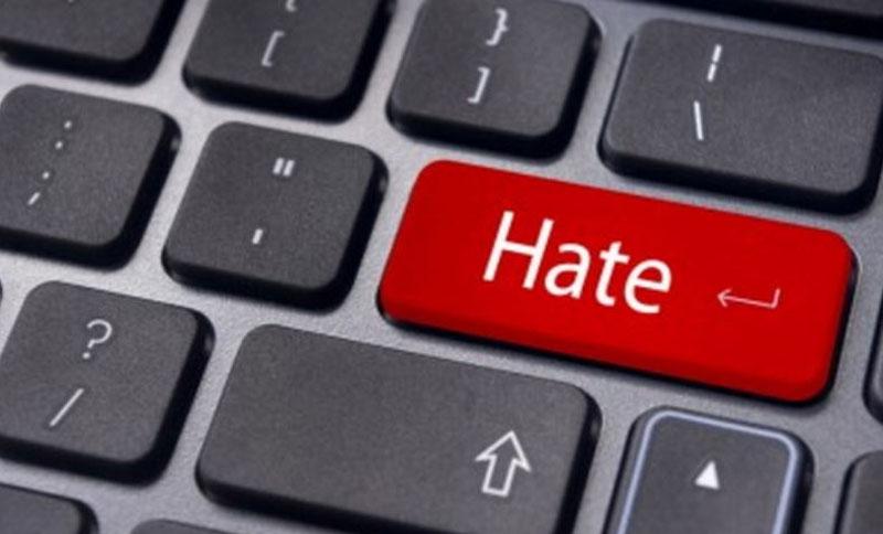 Mutig im Dunkeln der Anonymität: Hater mit Fakeprofil.