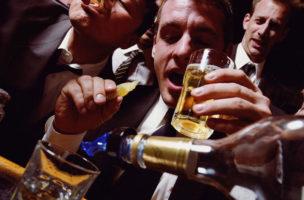 Nicht nur hinter der Bar sollte Anstand herrschen. Auch der Gast soll sich benehmen.