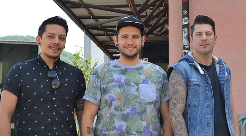 Die drei Jungs wollen bessere Nachbarschaftsarbeit für den neuen Club leisten.