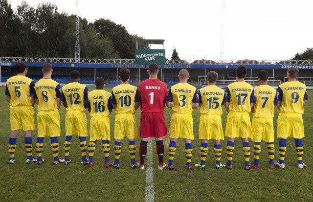 Die Mannschaft des FC Farnborough. David Parry/PA