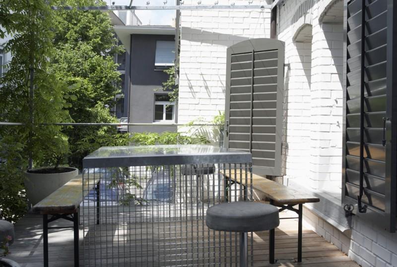 eine wohnung aus zwei garagen sweet home. Black Bedroom Furniture Sets. Home Design Ideas