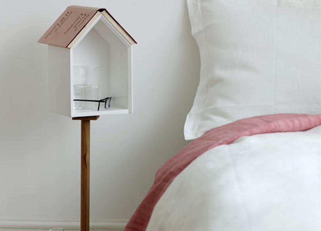 nachttischchen die sch nste nebensache sweet home. Black Bedroom Furniture Sets. Home Design Ideas