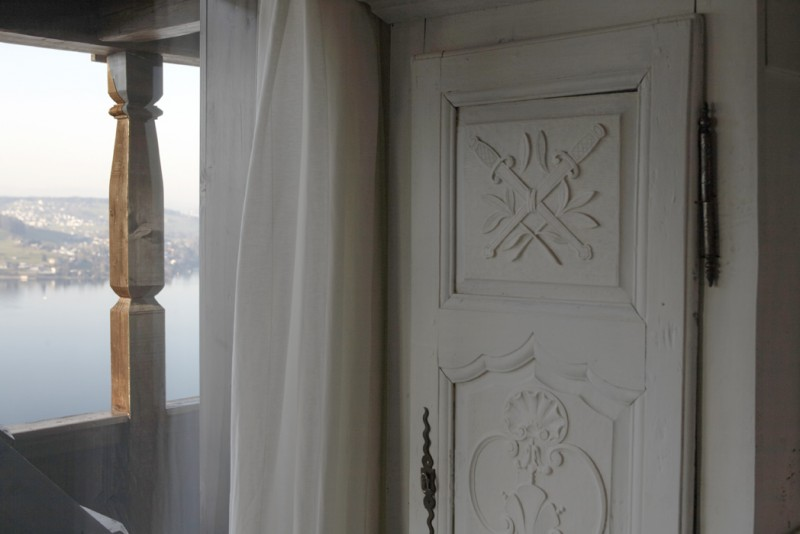 ferienhaus vor der haust r sweet home. Black Bedroom Furniture Sets. Home Design Ideas
