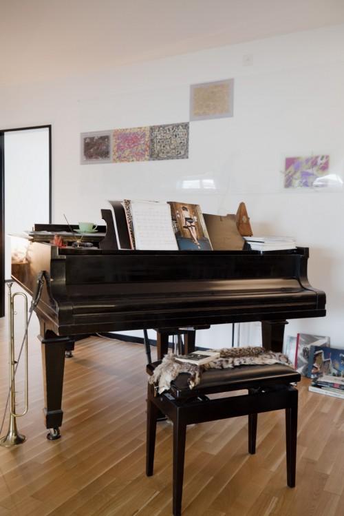 in der stadtwohnung von designer kevin fries sweet home. Black Bedroom Furniture Sets. Home Design Ideas