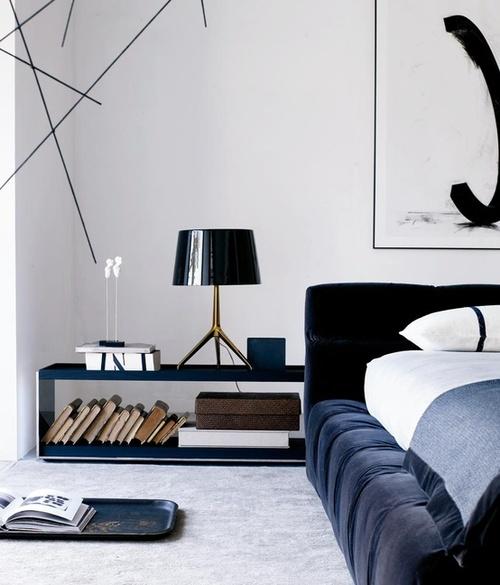 Dieser Konsolentisch Von Zanotta Kann Sie Vielleicht Dazu Aufmuntern, Das  Wohnzimmer Umzustellen, Das Sofa Von Der Wand In Den Raum Zu Versetzen Und  ...