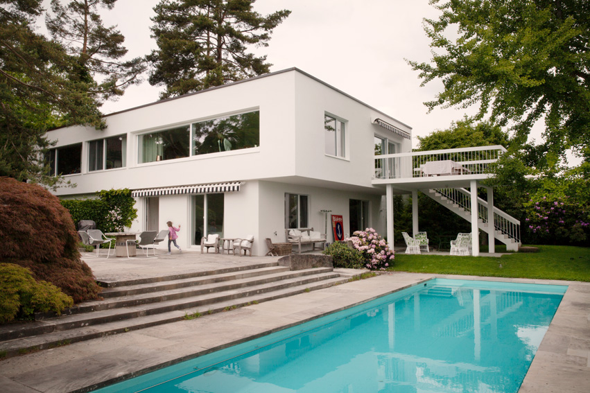 Hollywoodcharme auf der forch sweet home for Ch homes