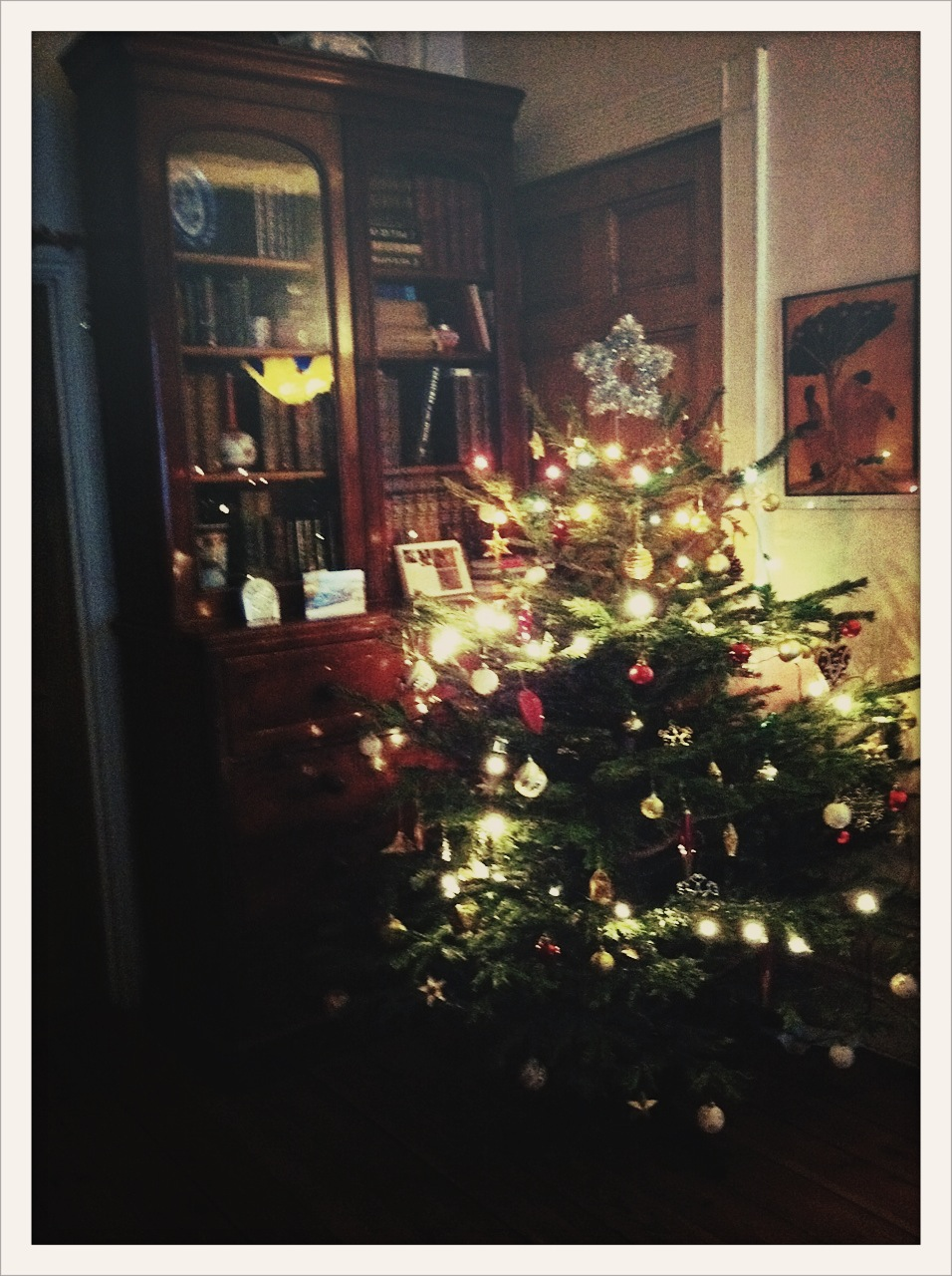 Weihnachtsbaum In England.A Very Merry English Christmas Sweet Home