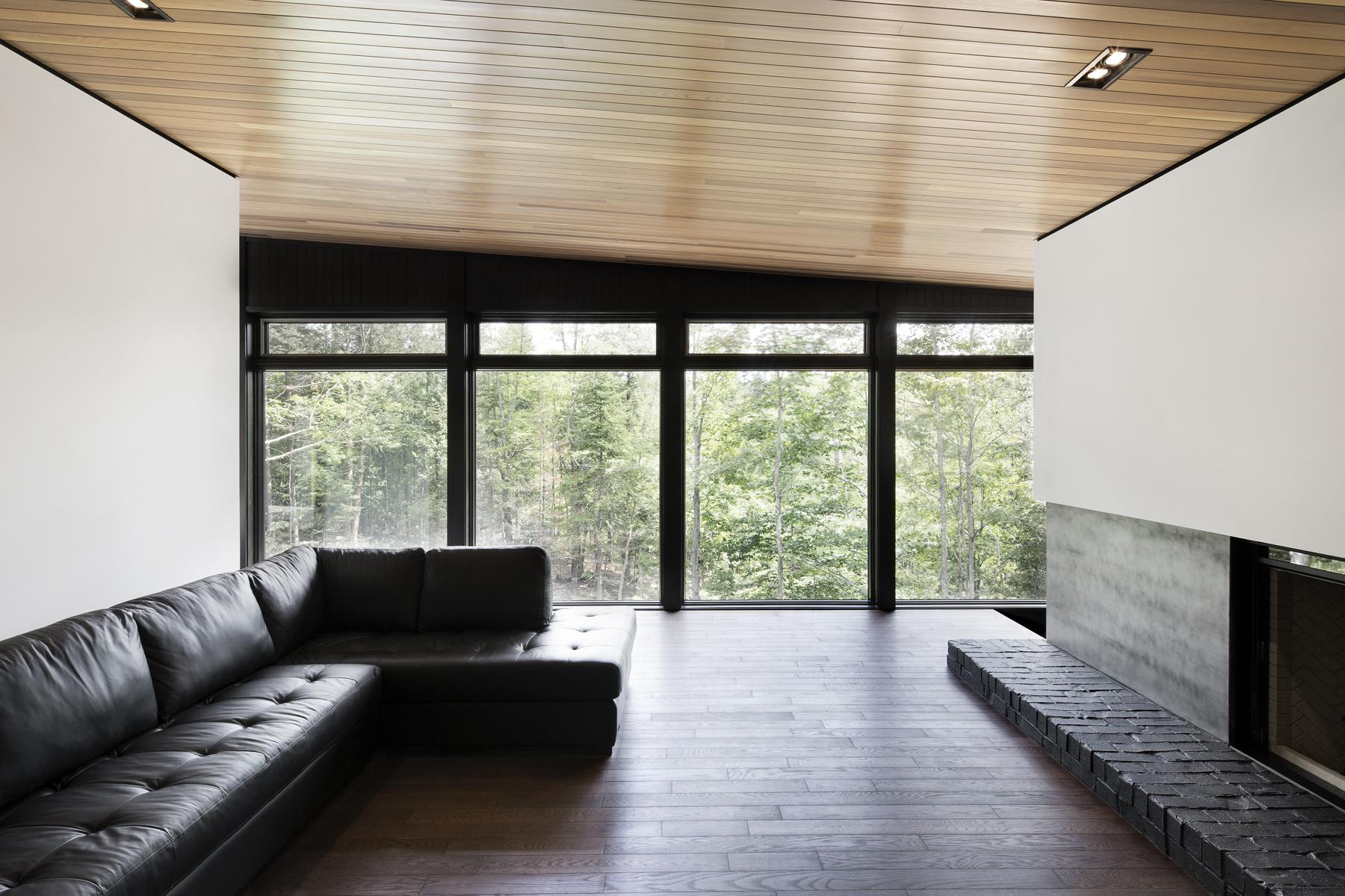 holz und schwarz ein sch nes paar sweet home. Black Bedroom Furniture Sets. Home Design Ideas