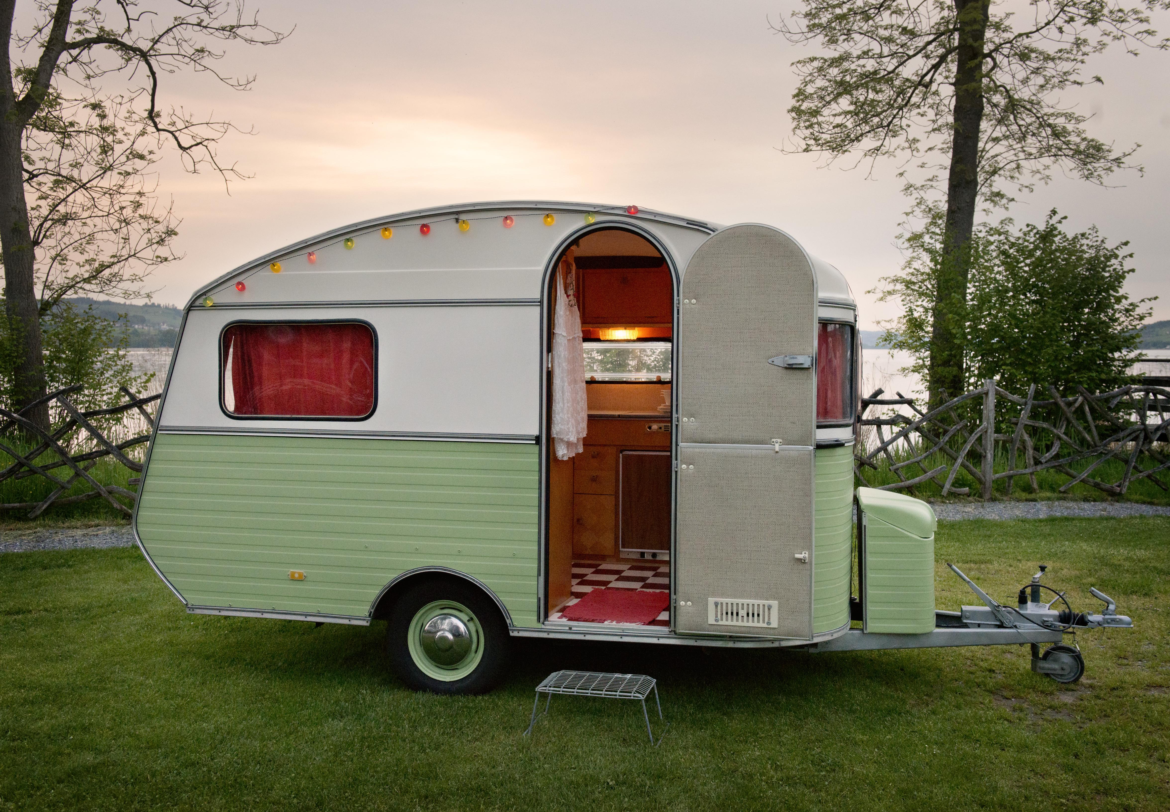 wohnwagen gebraucht wohnmobile gebraucht kaufen ebay html. Black Bedroom Furniture Sets. Home Design Ideas
