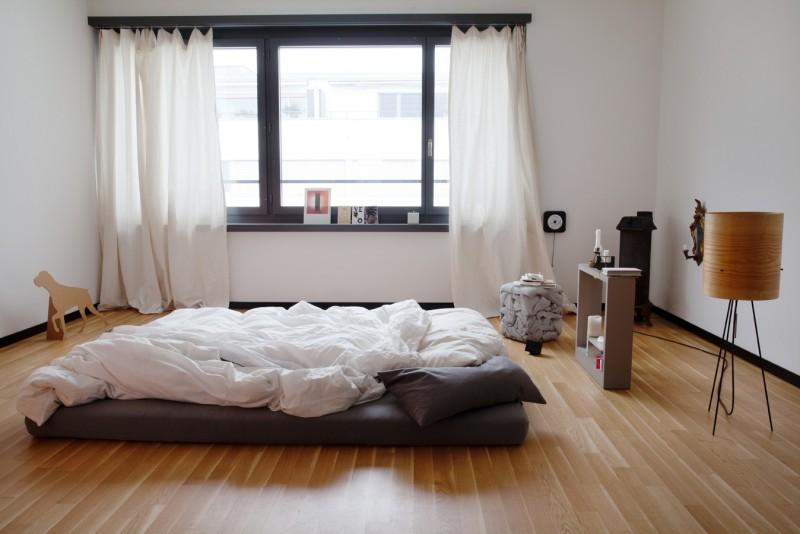 best of ein blick in schweizer schlafzimmer sweet home. Black Bedroom Furniture Sets. Home Design Ideas