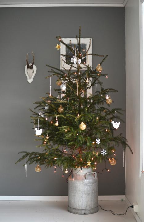 weihnachtsbaum mit und ohne sweet home. Black Bedroom Furniture Sets. Home Design Ideas