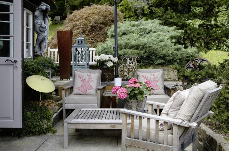 so geniessen schweizer ihre g rten sweet home. Black Bedroom Furniture Sets. Home Design Ideas