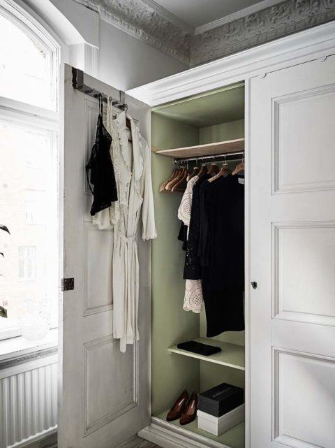 hinter den t ren. Black Bedroom Furniture Sets. Home Design Ideas