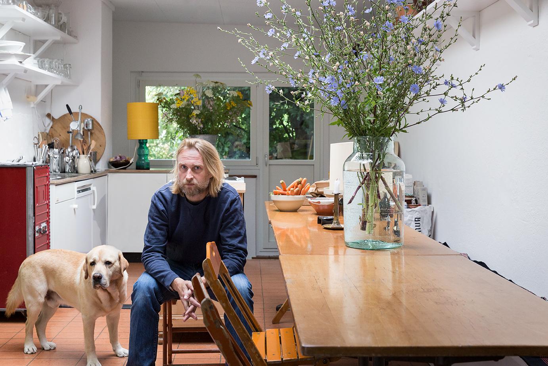 ein mann ein hund ein haus sweet home. Black Bedroom Furniture Sets. Home Design Ideas