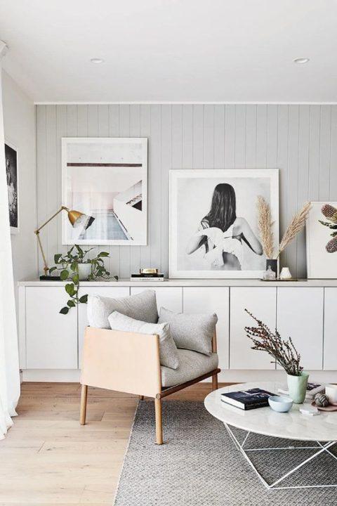 das hilft dass ein wohnzimmer auch wenn viele leute da sind luftiger wirkt mehr platz bietet und erst noch elegant bleibt bild uber anne sage