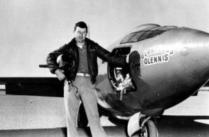 Chuck Yeager neben seiner Bell X-1. (Bild: Keystone/AP US Air Force)
