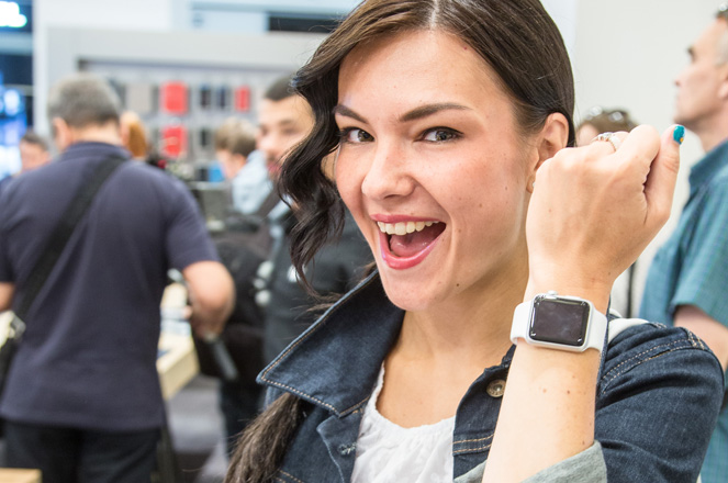 MOSCOW, RUSSIA - JULY 31:  Apple Watch is now available in Russia and Turkey on July 31, 2015 in Moscow, Russia.  (Photo by Victor Boyko/Getty Images for Apple)