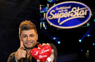 epa04752499 A picture made available on 17 May 2015 of casting show finalist Severino Seeger posing for the camera at the final of pop casting show 'Deutschland sucht den Superstar' (DSDS), the German version of Pop Idol franchise, at OeVB Arena venue in Bremen, Germany, 16 May 2015. Severino Seeger won the 12th season's title.  EPA/INGO WAGNER