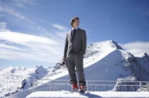 UNDATIERTES HANDOUT - Carlo Janka beim Fotoshooting in St. Moritz im Oktober 2010. Der 23-jaehrige Schweizer ist fuer die naechsten zwei Jahre bei der HUGO BOSS (Schweiz) AG unter Vertrag und traegt bei allen offiziellen Anlaessen Anzuege von BOSS Black. Weiterer Text ueber ots und auf http://www.presseportal.ch. (PHOTOPRESS/obs/HUGO BOSS (Schweiz) AG)