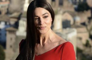 Ihr kann auch James Bond nicht wiederstehen: Monica Belucci. (Keystone)