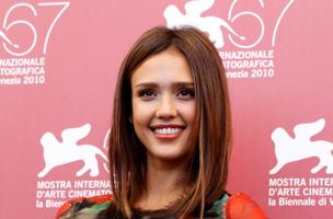 Glamourös: Eine der attraktivsten Trägerinnen eines Long Bobs ist die Schauspielerin Jessica Alba. (Reuters)