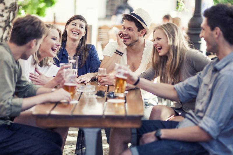 Freunde sind wie eine grosse Familie? Stimmt leider nicht immer. (Foto: iStock)