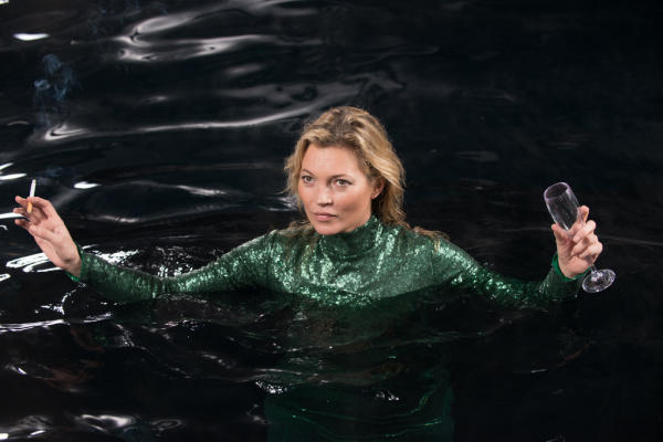 "In this image released by Fox Searchlight Pictures, Kate Moss appears in a scene from the film, ""Absolutley Fabulous: The Movie."" (David Appleby/Fox Searchlight Pictures via AP)"