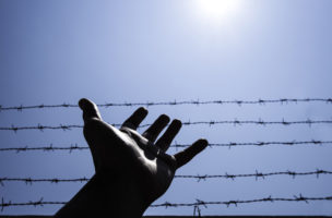 Wenn Drogen vom Himmel fallen: Drohnen bereiten Gefängniswärtner zunehmend Probleme. (iStock)