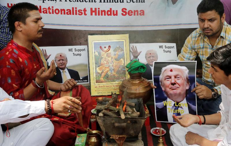 Göttliche Unterstützung: Gebetsanlass für Donald Trumps Sieg in New Delhi. (Reuters)
